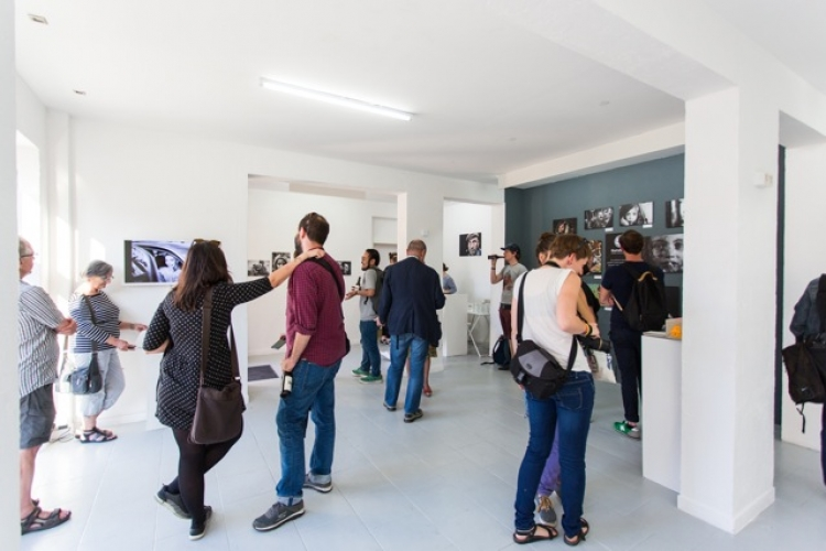 Pop Up Gallery and showroom