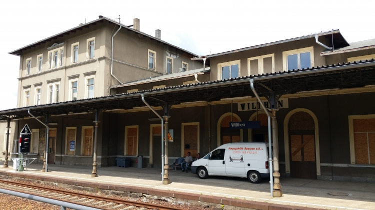 Ateliers im großen Bahnhofsgebäude des Bahnhofes in 02681 Wilthen