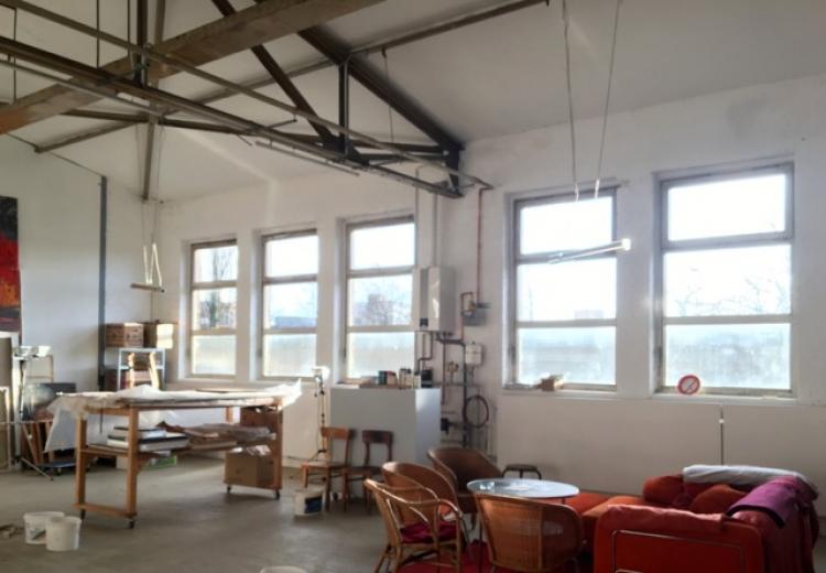 Großes helles warmes Atelier