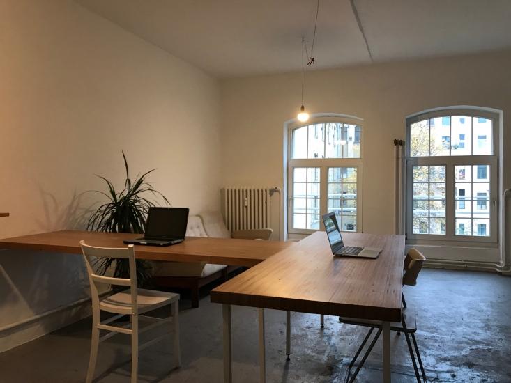 Arbeitsplatz in Atelier/Büro in Charlottenburg zu vermieten
