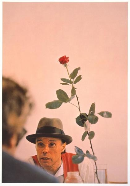 ICH STRAHLE AUS. 100 Jahre Joseph Beuys